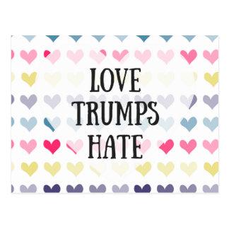 Haine d'atouts d'amour. carte postale