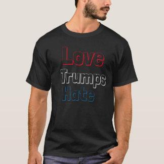 Haine d'atouts d'amour t-shirt