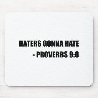 Haineux allant détester des proverbes tapis de souris