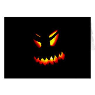 Halloween Jack-o'-lantern font face à la carte de
