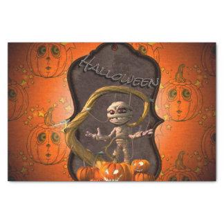 Halloween, maman drôle avec le citrouille papier mousseline