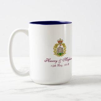 Harry et tasse commémorative de Meghan