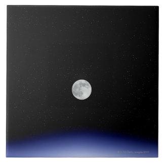 Hausse de lune au-dessus de la terre grand carreau carré