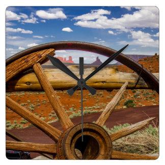 Haut étroit de roues, Arizona Horloge Carrée