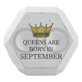 Haut-parleurs Blancs Sans-fils La Reine sont née en septembre
