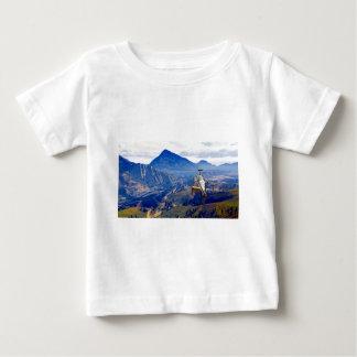 Helicopter on Mountain T-shirt Pour Bébé