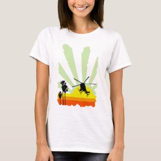 Hélicoptère et coucher du soleil t-shirt