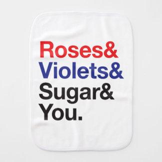 """Helvetica/esperluète """"roses soyez rouge."""". linges de bébé"""