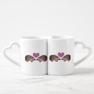 Hérissons dans des coeurs et Hedgies d'amour Mug