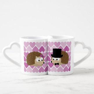 Hérissons mignons dans l'amour set mugs duo
