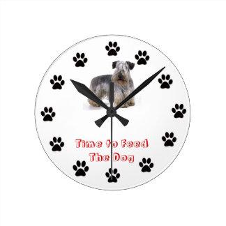 Heure d'alimenter le chien Cesky Terrier Pendules
