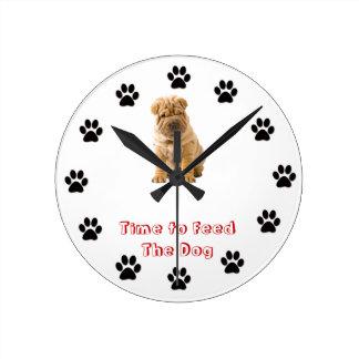 Heure d'alimenter les Chinois Shar Pei de chien Horloge Ronde