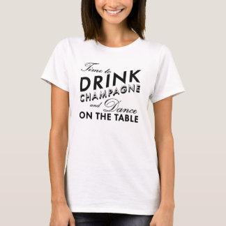 Heure de boire le T-shirt de Champagne