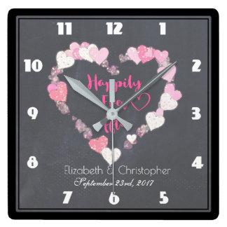 Heureusement pour toujours coeurs roses horloge carrée