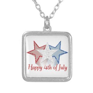 Heureux 4 juillet pendentif carré