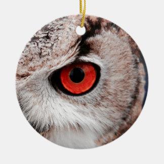 Hibou aux yeux rouges ornement rond en céramique