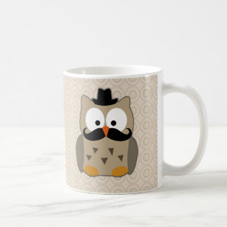 Hibou avec la moustache et le casquette mug