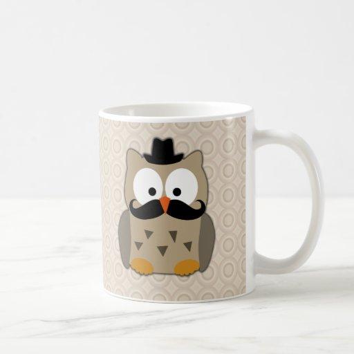 Hibou avec la moustache et le chapeau mug
