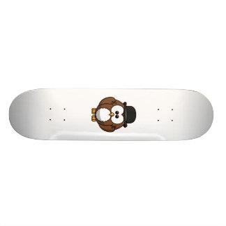 Hibou de bande dessinée dans le chapeau de lanceur skateboards personnalisés