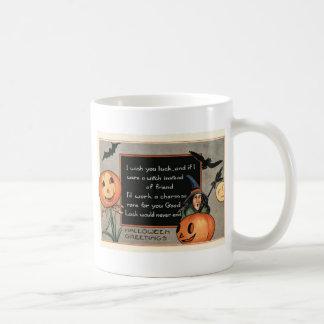 Hibou de batte de sorcière de citrouille de mug blanc