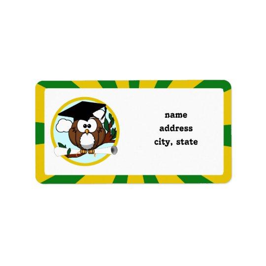 Hibou de graduation avec des couleurs d'école de étiquette d'adresse