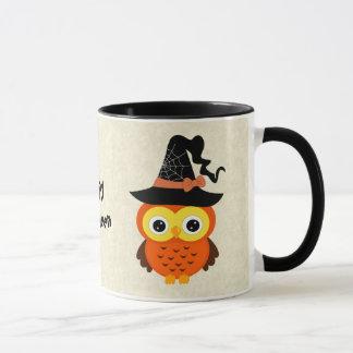 Hibou de Halloween avec le casquette de sorcière Mug