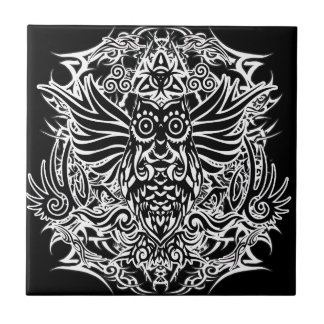 Hibou de tribal de tatouage carreau