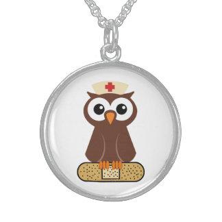 Hibou d'infirmière (w/bandaid) collier argent sterling
