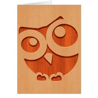 Hibou mignon gravé dans l'effet en bois cartes