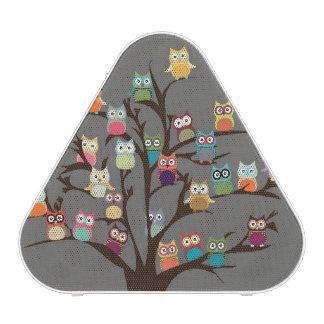 Hibou mignon sur l'arrière - plan de l'arbre | haut-parleur bluetooth