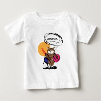 Hibou qui déteste le T-shirt d'été