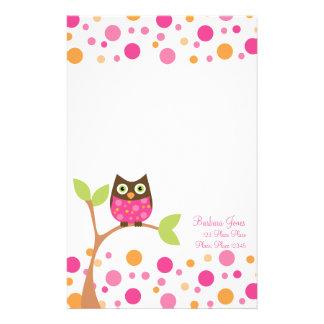 Hibou rose lumineux de bébé papier à lettre customisable