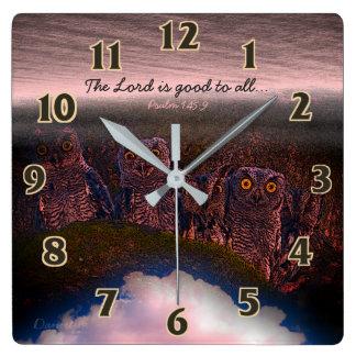 Hiboux de psaume d'écriture sainte horloge carrée