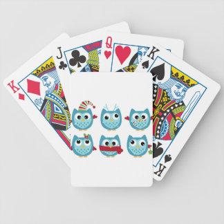 Hiboux merveilleux bleus sur le blanc jeu de cartes