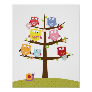 Hiboux mignons sur l'illustration d'arbre affiche