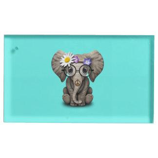 Hippie mignonne d'éléphant de bébé porte-numéro de table