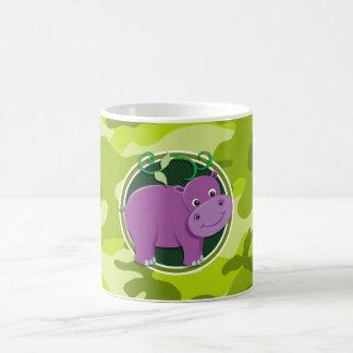 Hippopotame mignon camo vert clair camouflage tasse à café