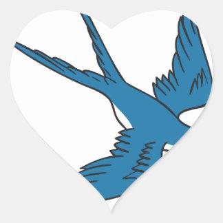 Hirondelle volant en bas du dessin sticker cœur