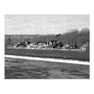 Hiver b/w de rangée de Boathouse Carte Postale