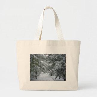Hiver dans la forêt sacs