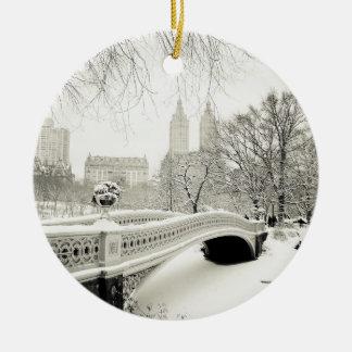 Hiver de Central Park - neige sur le pont d'arc Décorations De Noël