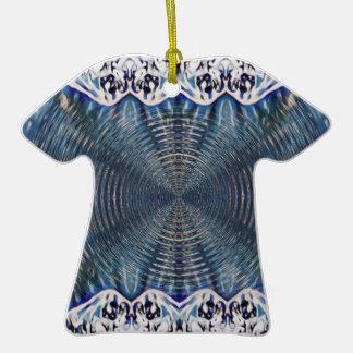 Hiver psychédélique ornement t-shirt en céramique