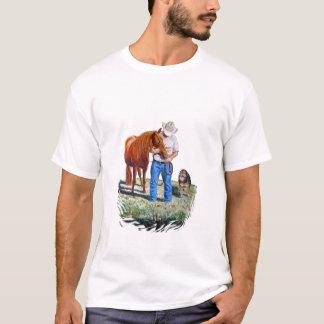 Homme avec son T-shirt de cheval et de chien