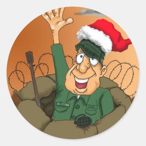 Homme d'armée ondulant avec le chapeau de Père Autocollant Rond