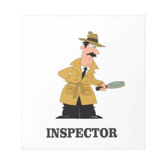 homme d'inspecteur blocs notes