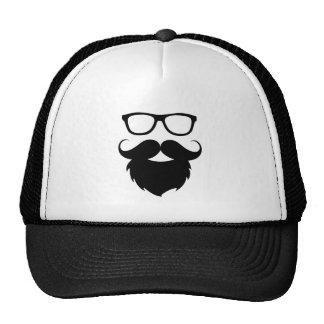 Homme drôle adulte de barbe casquette