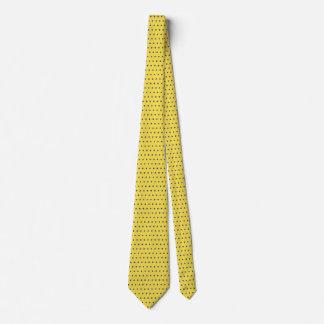 Hommes bleus et cravate jaune