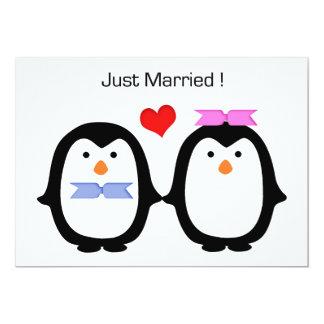 Hommes-femmes de couples de pingouin marié invitations personnalisées