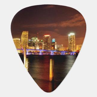 Horizon de Miami la nuit, la Floride Onglet De Guitare