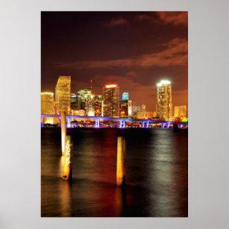 Horizon de Miami la nuit, la Floride Posters